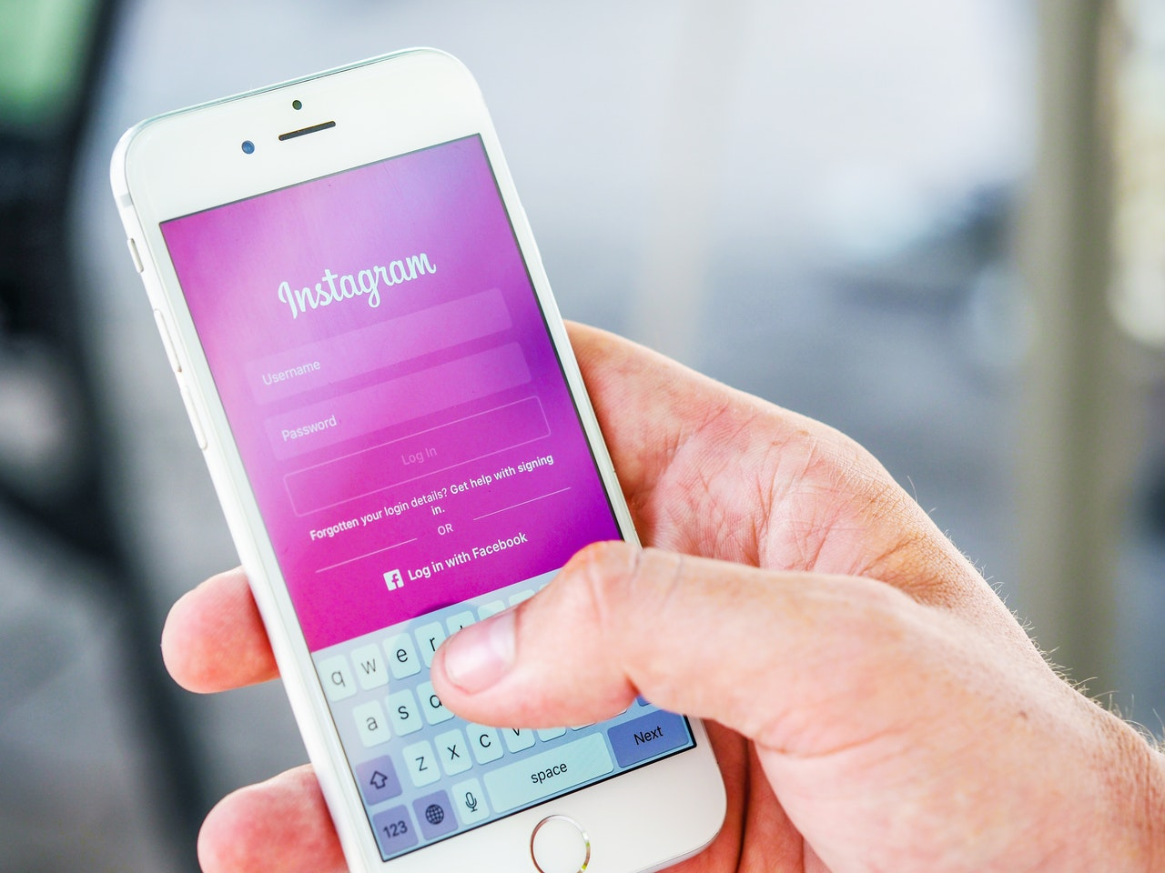 SEO tips blog: Posting on Instagram can help you promote yourself