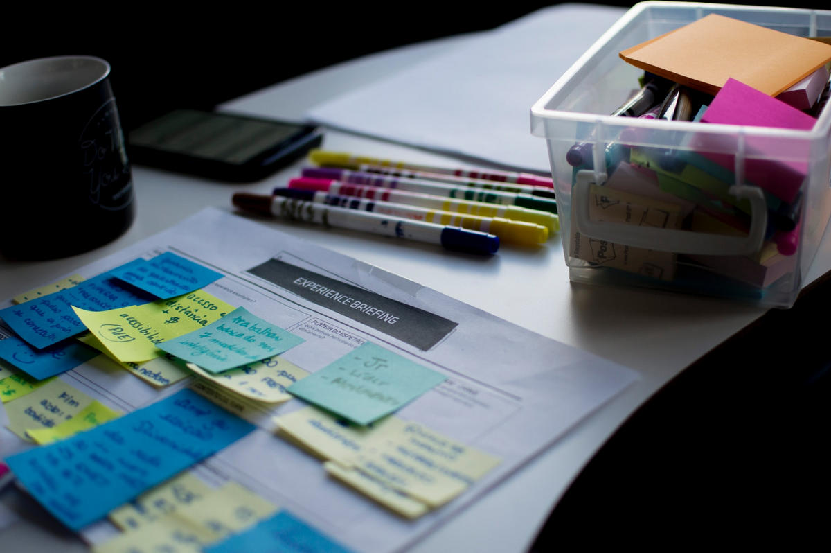 Post-it notes and marker pens being used to prepare a content pitch, which is what you're doing when guest blogging