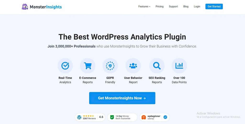 MonsterInsights homepage highlighting its benefits for users